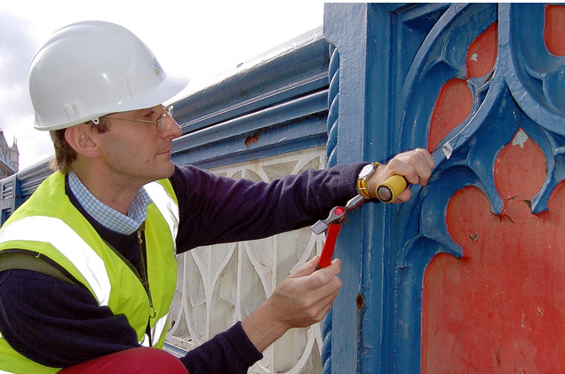 Patrick Baty carried out an analysis of the paint on Tower Bridge