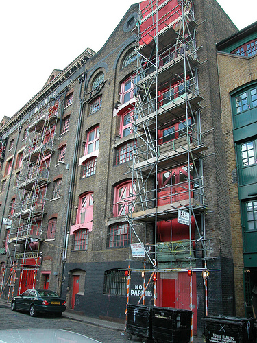 Patrick Baty advised on the decoration of the exterior of this Thameside warehouse - Metropolitan Wharf