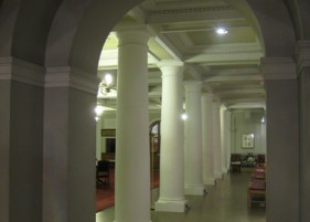 Patrick Baty selected colours and produced a specification for the Ambulatory at Mercers' Hall