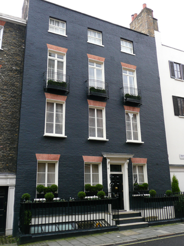 Patrick Baty solved a 'problem' with the facade of this house in Mayfair.