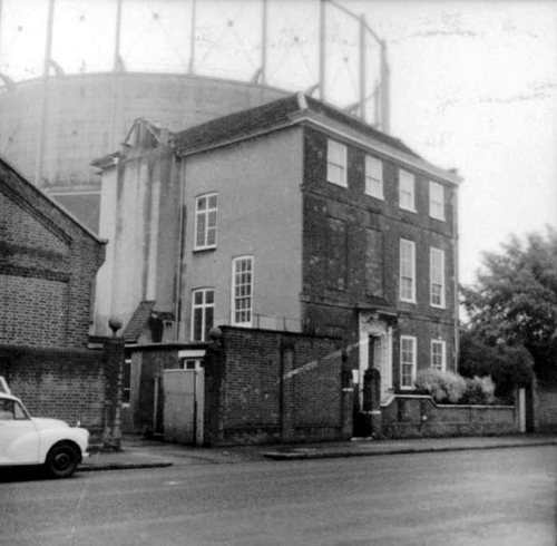 House & Gasometer 1974 - Hertfordshire County Council
