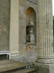 Stowe - Queen's Temple - Niche