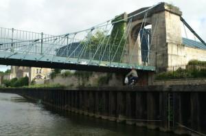Victoria Suspension Bridge, River Avon, Bath - Pierre Terre