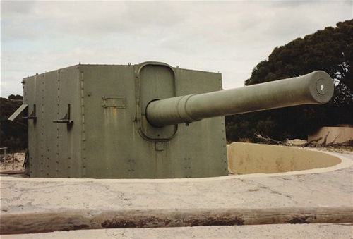 Preserved 9.2 inch gun - Vic Jeffery