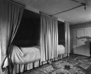 Box bed 1967