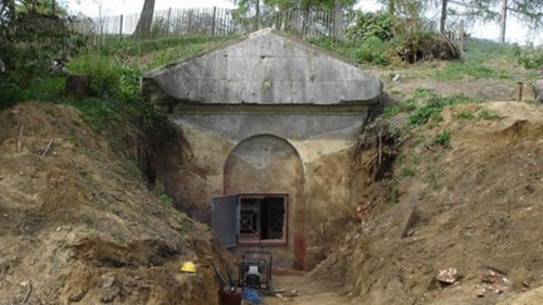 Uncovering the Mausoleum