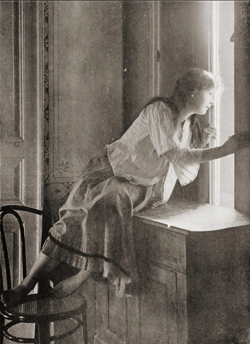 Miss Curiosity - Polish 1908